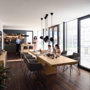 Interior Gent, grote collectie aan vaste en uitschuifbare tafels in Europese houtsoorten. Kom eens kijken!
