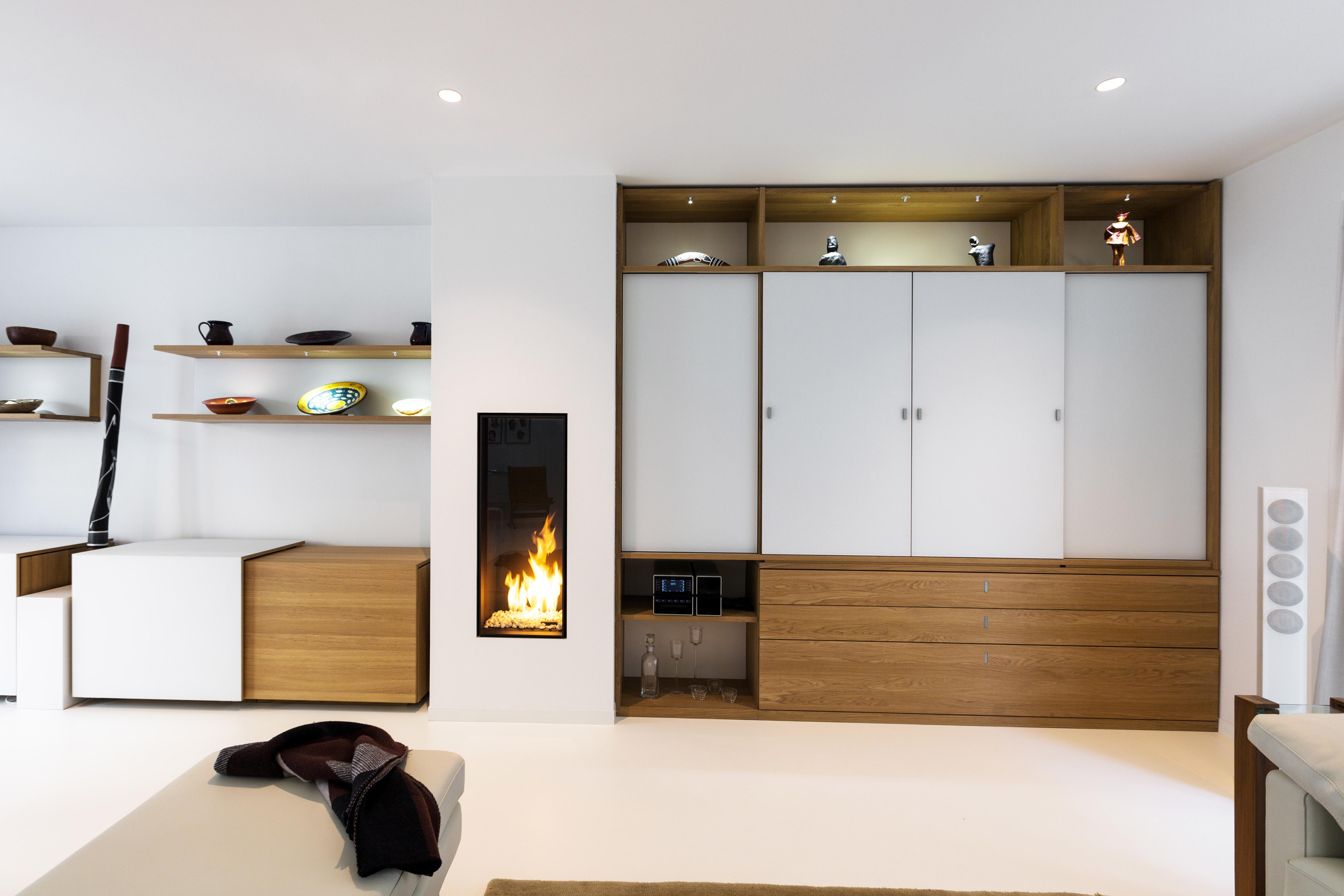 meubelwinkel met natuurhouten meubelen voor de ganse woning
