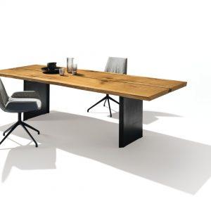 Interior Gent, grote showroom met massieve tafels. kom gerust kijken!