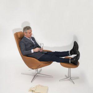 Interior Gent, grote showroom met stoelen en relaxen. Kom kijken!